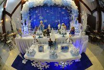Festa Frozen / Festa de 3 anos da Maria Eduarda, com decoração temática do filme Frozen, no Espaço Florescer Eventos - Buffet infantil lúdico na Zona Leste de São Paulo.  As rainha Elsa e a princesa Anna estiveram aqui para brincar com as crianças!