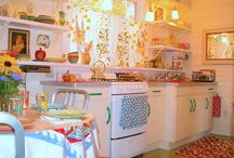 Kitsch-ens! / I love kitsch. And kitchens in general.
