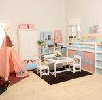 Indian Girl Children Beds / A Beautiful Universe for Your Childrens Bedroom. Children Furniture e.g. with Bunk bed, Mid high bed, Half high bed, High bed, Conopy bed and Sofabed made in the Highest Quality from Hoppekids.