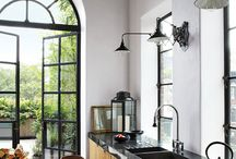 Kitchen & Dining | Cuisine et Salle à Manger / The heart of the home : the kitchen & the dining table