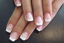 manucure pour femmes / Pour celles qui aiment prendre soin de leurs ongles