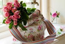 Flower Power / floral decor decorating with flowers shabby chic