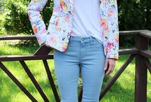 How to wear light blue jeans