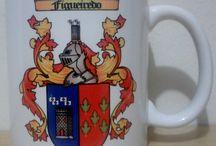 CANECAS COM BRASÃO DA FAMÍLIA / Caneca de porcelana branca de 300ml em sublimação com brasão do sobrenome da família. www.brasoes.com.br