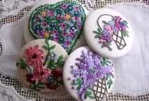 Embrodery  buttons - broches