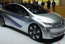 Renault Eolab / Renault präsentiert auf dem Pariser Autosalon 2014 die neue Studie EOLAB. Ist das Clio der Zukunft?