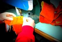 La Autentica Safari, cómo trabajamos / os basamos principalmente en la utilización de materiales como la piel de serraje procedente de vacuno entre otros. Hemos de destacar que todo material utilizado en la elaboración de estos productos es única y exclusivamente piel.
