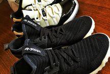 スニーカー / White and black