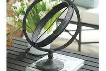 Coffee table decor / by Junaida Yaacub Jacobsen