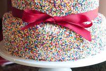 Love 4 Cakes / by Yaoska Larios