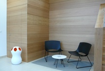 Oh! / A seating system and tables for waiting areas and meeting facilities.  The shell is plastic injected and fixed or swivel metal structure (chromed or painted).  Available upholstered or not, in a wide range of colors and combinations. It features a swivel structure of 4 feet, ideal for entrances to hotels, offices, bars. Also available as a bench. All these options can be combined with a table, even the bench.