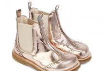 Barneklær og sko