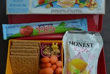 Bento Lunchbox and Snack boxes / We love the bento snack boxes we've seen! They are great for healthy snack ideas for the little ones!