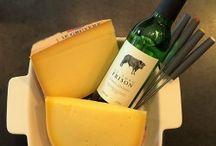 Kaasfondue Cadeau / Kaasfondue Cadeau, met gave outdoor kaasfondue, heerlijke kaas, wijn en kaasrecept