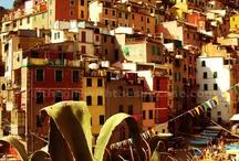 Incantevoli Cinque Terre / Un viaggio in treno e lungo i sentieri in 5 tappe alla scoperta della meraviglia della Riviera Ligure di Levante: le Cinque Terre. http://www.thegirlwiththesuitcase.com/p/travels.html