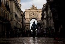 Portugal / Di una città non apprezzi le sette o settantasette meraviglie, ma la risposta che dà ad una tua domanda. (Italo Calvino)