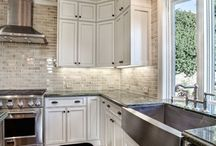 White Kitchens / White Kitchen design ideas