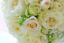 floraflora(フローラフローラ) stadio wedding bouquets&items / フラワーデザイナー 澤田和美さんによる作品です。