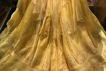Cosplay: Belle- robe dorée