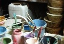 Video / Lavorazione e decorazione artigianale di oggetti unici in ceramica.