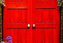 Doorways / by Amy Lozar