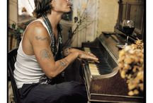 Johnny Depp. / OH MY GOD. WE ARE ALL BLESSED.