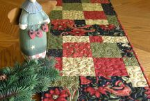 Crafts: Christmas and Holiday quilting / by Isabelle Potter @ IzzyCards