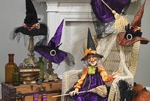 Hadas y brujas, en miniatura. / Mundos contrapuestos, magia, oscuridad y luz... / by Dolores Mario Alvarez