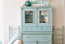 Cabinets / Kasten