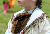 Historisch gekleide Menschen