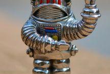 Robots rayguns & rocket ships / Art
