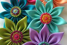 Flores en cinta y fieltro