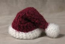 tutorials: Christmas (stockings & snow hats) / Tutorials for Christmas stockings and snow hats. Some of these are sized for tree ornaments, so re-scale accordingly