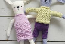 Free rabbit knitting pattern / My free rabbit knitting pattern. Rabbits are about 32cm/12.5in. Knitted in light worsted/DK yarn. Main rabbit takes less than a 50g/1.75oz ball. Clothes are removable. Available from my website link.