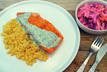 Dania z łososiem / Oto sześć pomysłów na smaczne potrawy z tą rybą. Zainspiruj się naszymi pomysłami!