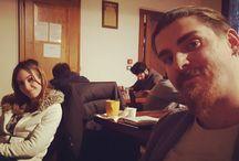 Instagram Noi siamo davanti al fuoco mentre gli Smargiassi di #disamorfati costruiscono il loro dialogo platonico! ;)