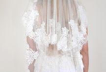 Les accessoires de la mariée / Pensés et confectionnés par Fabienne Alagama