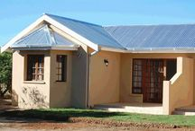The Fox Den Guest House / The Fox Den is ideally situated 3km off the N1 in the town of Trompsburg, 150 km north of Colesberg and 120 km south of Bloemfontein.   http://www.go2global.co.za/listing.php?id=1578&name=The+Fox+Den+Guest+House