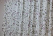 花柄のカーテン生地
