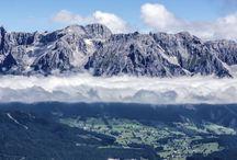 Gipfelstürmer - Urlaub in den Bergen / Blühende Almwiesen, klare Gebirgsseen, Murmeltiere und Steinböcke: Die Bergwelt ist ein Paradies für  Wanderer und Bergsteiger für jeden Geschmack: ob Bergwandern, Trekking oder Genusswandern.  Steile Gipfel bezwingen, tagelang auf Weitwanderwegen, vespern in Almhütten und übernachten in Wanderhotels. Wer es gemütlicher mag, genießt die Schönheit der Natur beim Walken oder  Spazieren durchs sanfte Mittelgebirge.