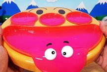 赤スライムとフェイスランチ皿❤アンパンマン アニメ&おもちゃ