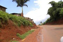 Uganda - srce Afrike / Dvanajstdnevno aktivno srečanje s pravo Afriko očara tudi najbolj zahtevnega gosta. Raznolikost pokrajine, pestra narava in preprosti, očarljivi ljudje vam bodo segli v srce in tam ostali do konca življenja. Stres in hitenje sta neznana pojma.Ta majhna državica ponuja samo najboljše: najvišjo gorsko verigo, tu izvira najdaljša reka na svetu in Uganda je dom redkih prostoživečih gorskih goril.