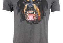 Givenchy: Gray Angry Rottweiler T-Shirt; 400€