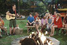 """Campamento kikiwaka / Enma , Zuri y Rabi se van a pasar las vacaciones de verano en un campamento , llamado """"Campamento Kikiwaka"""" Ven y descubre sus aventuras"""