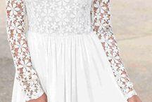 Δαντελωτά Φορέματα