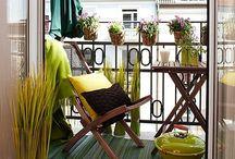 Balcon / Un petit coin de verdure en ville ? Pas de soucis ! Les meilleures idées déco pour votre balcon sont sur notre board Pinterest !