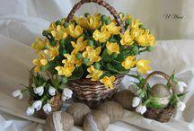 U Wiesi - papierowa wiklina, bibułkarstwo / Wiesia's paper crafts - paper wicker baskets, crepe paper flowers