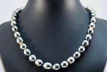 Perlen / Schmuckstücke mit Perlen von taxcos.de