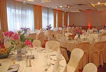 Thai Thomas Mai Van - floral designer - ikebana / Designer en art floral / Professeur d'ikebana Ikenobo Floral designer / Ikenobo ikebana teacher  http://www.maivan.flowers/