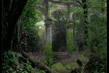 Ruins / by Claudia Peel